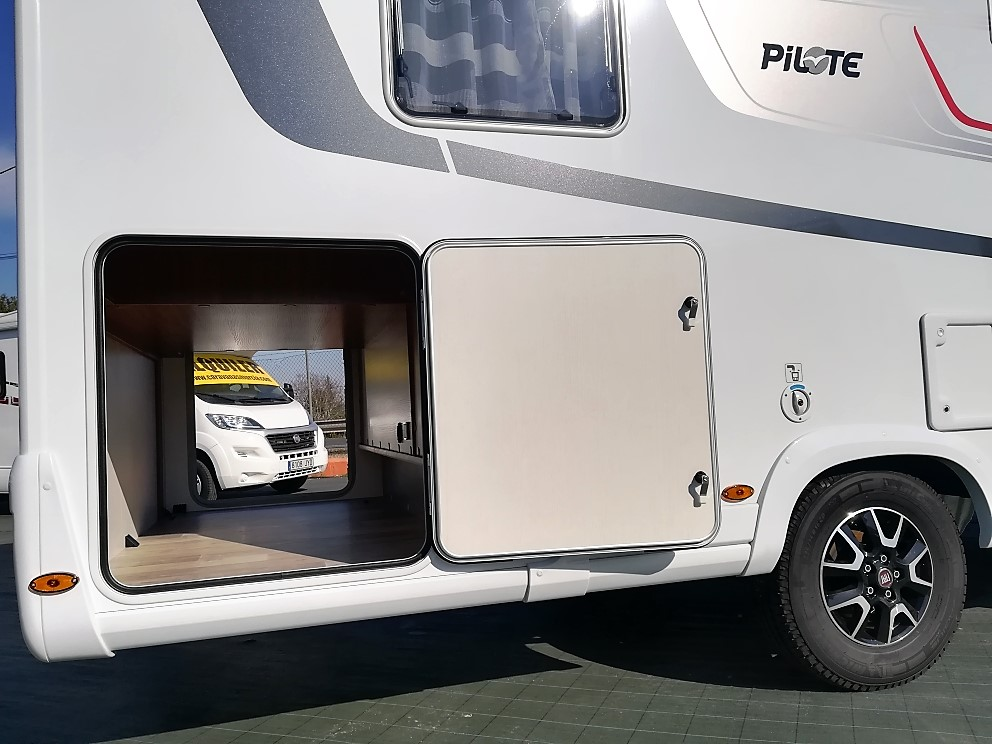 PILOTE 740 EXCLUSIVE EDITION CAMA ISLA
