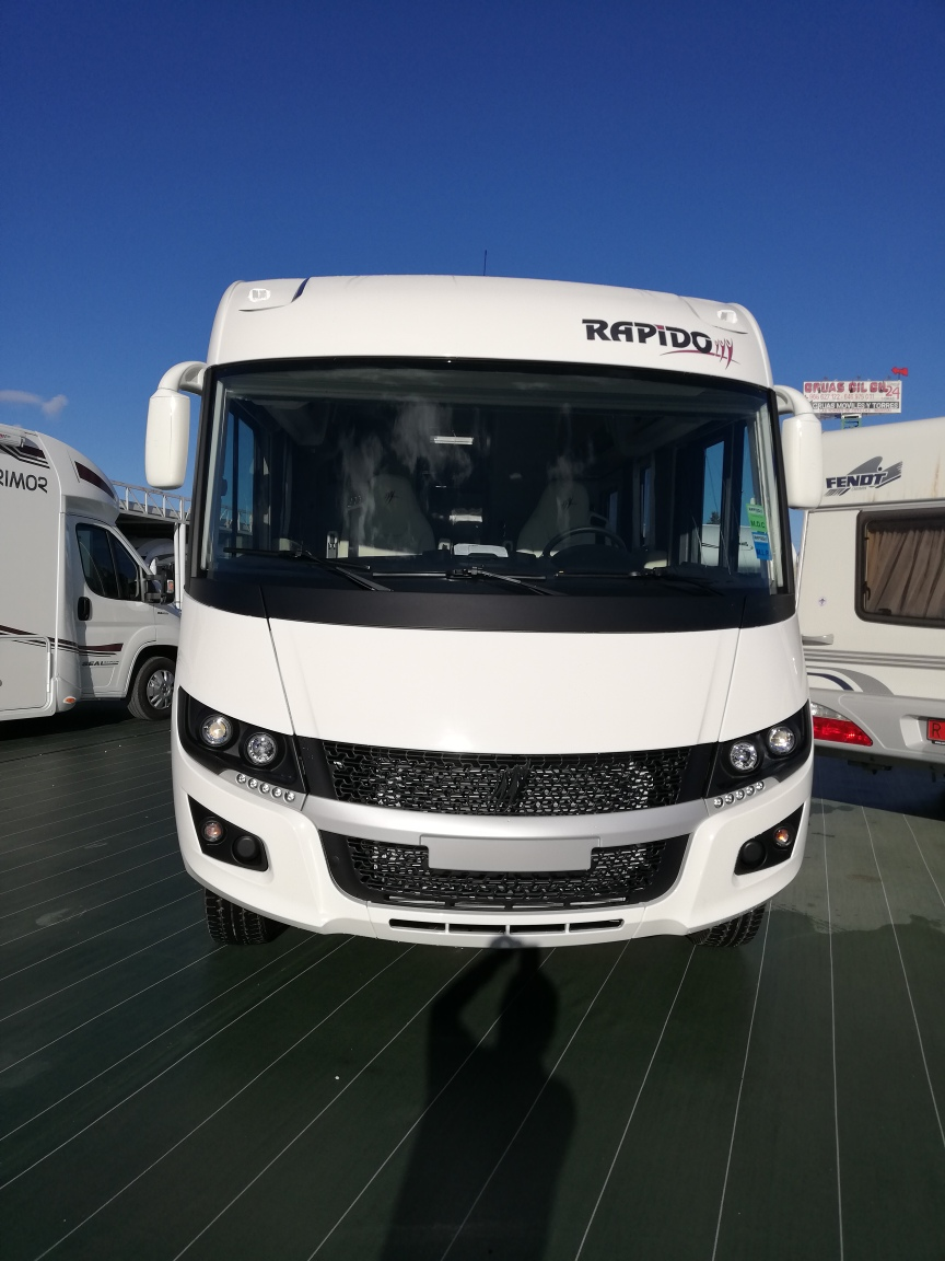 RAPIDO 896F